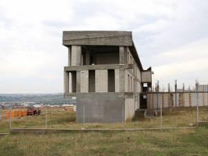 Casa Corpului Didactic este amplasată în Șcheia, pe dealul Florinta