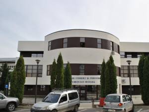 CCI Suceava va implementa un proiect de formare profesională pentru cel puţin 330 de salariaţi
