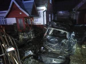 In autoturismul grav avariat au fost gasite doua victime, din care pasagerul in stare de inconstienta