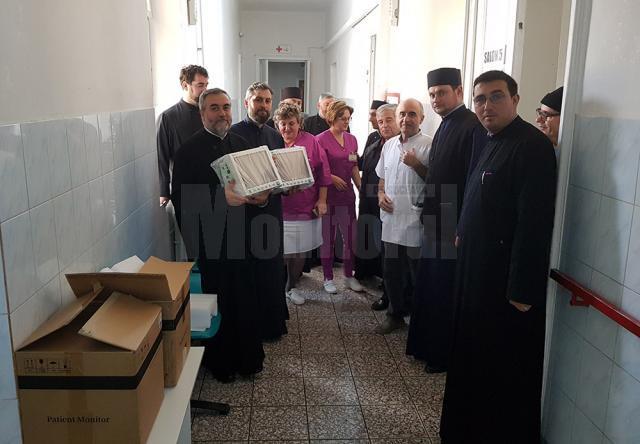 Aparate medicale donate spitalului de către preoţii din Protoieria Fălticeni