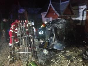 Un bărbat a murit şi altul a ajuns la spital, după un accident petrecut în timpul nopţii, la Putna