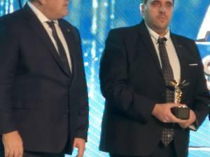 Preşedintele CCI a României, Mihai Daraban, și reprezentantul Ocolului Silvic Silva - Bucovina Suceava