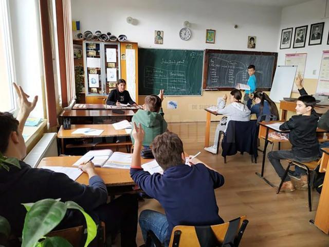 Elevii au stat la catedră și au intrat în rolul profesorilor