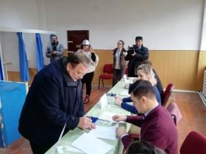 Gheorghe Flutur a votat, alături de soție, pentru un președinte care va scoate Moldova și Suceava din izolare