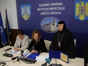 Proinstareța Mănăstirii Voroneț, Stavrofora Irina Pîntescu, a primit o diplomă de excelență din partea prefectului Mirela Adomnicăi