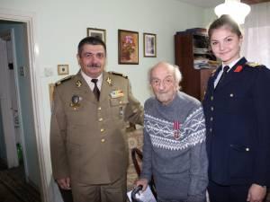 Colonel (r.) Constantin Zavati, în vârstă de 96 de ani, decorat de Colegiul Militar din Câmpulung