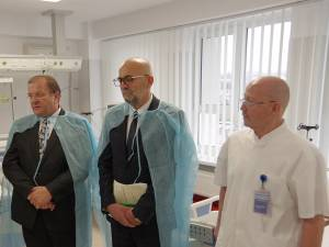 Preşedintele CJ, Gheorghe Flutur, managerul Vasile Rîmbu și dr. Titel Cojocaru