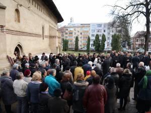 Familia , prietenii și colegii de partid alaturi de fostul viceprimar și consilier local Bogdan Bicsi, pe ultimul drum 2