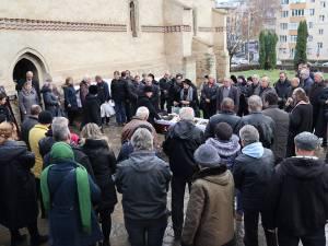 Familia, prietenii și colegii de partid alături de fostul viceprimar și consilier local Bogdan Bicsi, pe ultimul drum