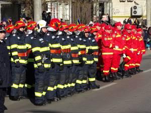 Parada de 1 Decembrie, din centrul Sucevei, a fost urmarită de mii de oameni 2