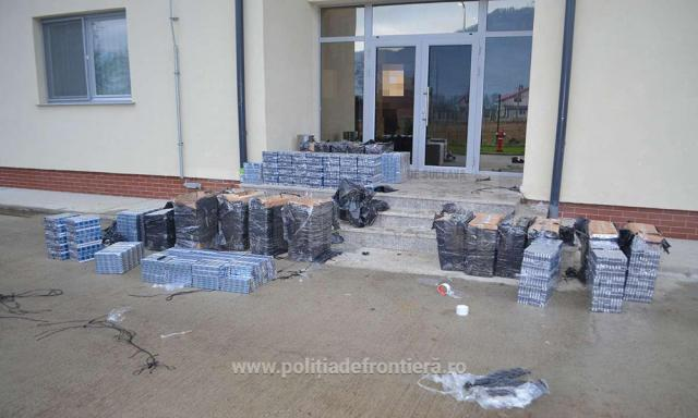 Peste 20.000 de pachete de țigări descoperite de polițiștii de frontieră suceveni