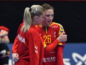 Anca Polocoşer (nr. 26) a plâns după înfrângerea cu Spania, dar s-a revanşat în jocul cu Senegal FOTO GSP.RO