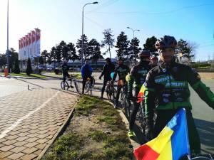 """Membrii Asociației Sportive """"Suceava pe Bicicletă"""", prezenți la manifestările dedicate Zilei Naționale a României"""