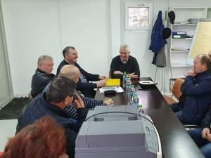Discuțiile purtate între conducerea și sindicaliștii de la TPL cu primarul Sucevei, Ion Lungu