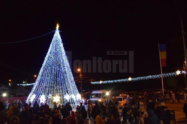 Primăria Putna a organizat concerte de cântece patriotice şi spectacole de folclor pentru locuitorii comunei