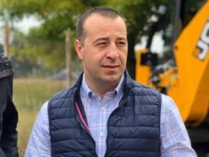 """Lucian Harșovschi: """"Lucrările din Zamca au constat în turnarea de 3.169 mp de asfalt, 691 de mp de pavaj și amenajarea a 204 locuri de parcare"""""""