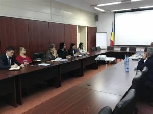 Ministrul Muncii, Violeta Alexandru, şi deputatul Angelica Fădor s-au întâlnit cu reprezentanţii foştilor salariaţi ai IPEG