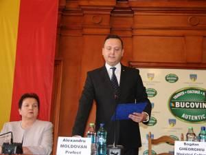 Alexandru Moldovan a depus jurământul în funcţia de prefect al judeţului Suceava