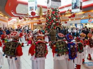 Întâlniri cu Moș Crăciun, premii și spectacole de colinde îi așteaptă pe vizitatori la Shopping City Suceava
