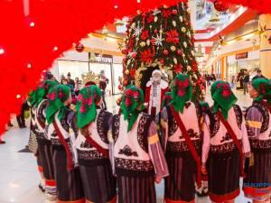 Întâlniri cu Moș Crăciun, premii și spectacole de colinde îi așteaptă pe vizitatori la Shopping City Suceava 2