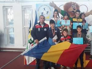 Micii atleţi dorneni s-au întors medaliaţi de la Iași