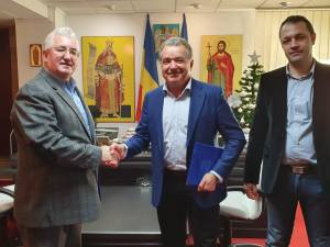 Contractul de execuție a zonei de agrement de pe malul râului Suceava a fost semnat luni, cu General Construct și Art Peisaj