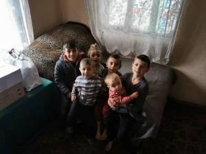 O familie cu 7 copii minori din satul Basarabi, comuna Preutești, are nevoie de ajutor