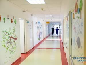 Secția de Pediatrie a fost dotată cu patru aparate medicale, în valoare totală de 13.000 de euro, în urma unei sponsorizări făcută de Shopping City Suceava 3