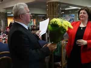 Primarul Ion Lungu a premiat cei 35 de elevi olimpici și 26 de profesori îndrumători, înaintea ultimei ședințe de Consiliu Local de anul acesta 2