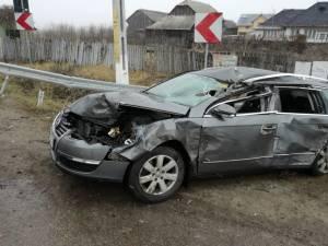 Autoturismul VW a ajuns în şanţ