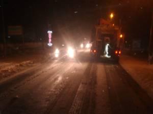 Circulație îngreunată pe DN 17, în zona Stroiești și mai multe drumuri județene acoperite cu zăpadă
