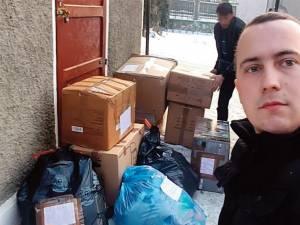 """Pachetele trimise de preotul din Germania au ajuns duminică la """"Casa Vladimir"""", din Vatra Dornei, prin intermediul lui Andrei Viorel, care a inițiat campania de ajutorare"""