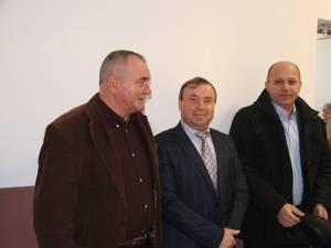 Primarul din Liteni, Tomiță Onisii, alături de senatorul Daniel Cadariu și vicepreşedintele CJ Suceava Gheorghe Niță