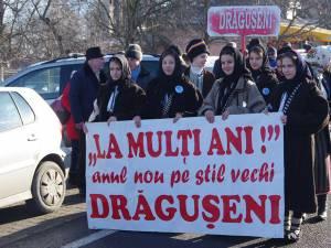 Alaiul obiceiurilor de Anul Nou pe vechi a fost deschis de gazdele evenimentului din Drăgușeni