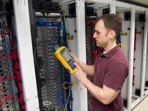 Cablarea structurată a ajuns la categoria 8 la Suceava, prin intermediul competenţei firmei Netcom Activ