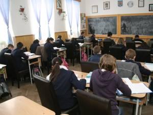 Simulările evaluării de la finalul clasei a VIII-a, programate pentru luna martie. Ministerul elimină simularea de la clasa a VII-a