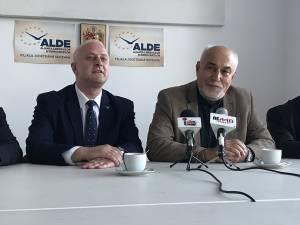 Varujan Vosganian (dreapta) vrea un pact politic pentru marile proiecte de infrastructură din Moldova