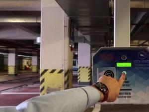 Sistem de acces cu bariere la parcările cu plată din centrul Sucevei, de luni