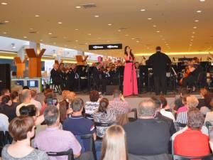 Paula Seling, într-un concert extraordinar al filarmonicii de stat din Botoşani, în acest weekend, la Iulius Mall Suceava