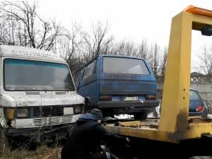 Ridicarea mașinilor abandonate în municipiul Suceava