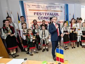 """Festivalul – concurs """"Bucovina – Tradiție, cultură, spiritualitate"""", la liceul din Vicovu de Sus"""