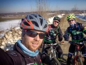 Tinerii suceveni suceveni au pedalat 161 de km, pentru a marca 161 de ani de la Mica Unire 1