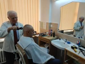 Vasile Duciuc își practică meseria de 60 de ani