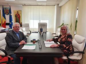 Primarii Ion Lungu și Elena Nandriș au pus bazele înfrățirii între localitățile Suceava și Mahala