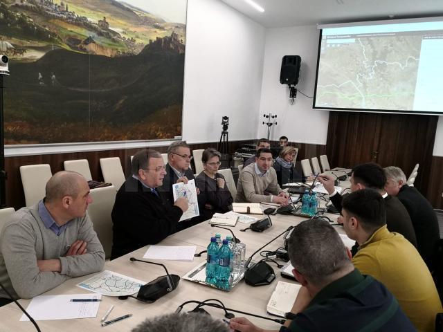 Gheorghe Flutur a avut o întâlnire cu specialiştii CNAIR pentru construcţia de drumuri rapide în judeţul Suceava