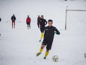 Mijlocaşul Radu Ungurianu este unul dintre cei 8 jucători înregimentaţi de Foresta în intersezon. Foto Costi Solovastru