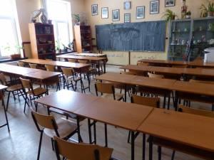 """Cursuri suspendate la o clasă de la Școala Gimnazială """"Miron Costin"""" Suceava, din cauza gripei"""