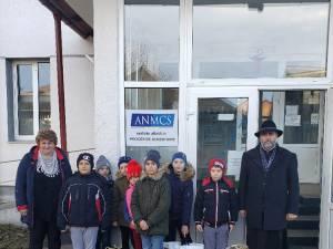 Acțiune caritabilă organizată de Parohia Leucușești și Școala Gimnazială din Leucușești