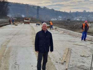 Primarul Ion Lungu a parcurs luni Podul Unirii dintr-un capăt în altul, pentru prima dată