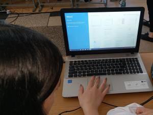 Ministerul Educației continuă și în acest an programul social Euro 200